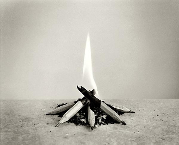 Chema Madoz lápices fuego